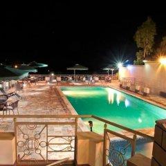 New Agena Hotel бассейн