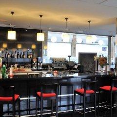 Hotel Clement Barajas гостиничный бар