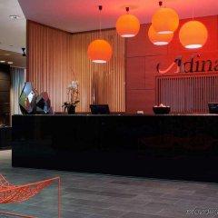 Отель Adina Apartment Hotel Berlin Hackescher Markt Германия, Берлин - 2 отзыва об отеле, цены и фото номеров - забронировать отель Adina Apartment Hotel Berlin Hackescher Markt онлайн интерьер отеля фото 2