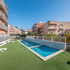 Отель Apartaments AR Espronceda Испания, Бланес - отзывы, цены и фото номеров - забронировать отель Apartaments AR Espronceda онлайн бассейн фото 3