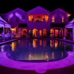 Отель Summerhill, 8BR by Jamaican Treasures Ямайка, Монтего-Бей - отзывы, цены и фото номеров - забронировать отель Summerhill, 8BR by Jamaican Treasures онлайн бассейн фото 3