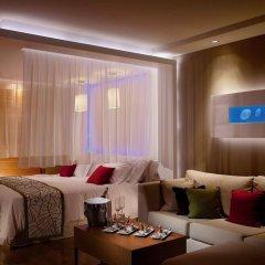 Отель Amathus Elite Suites гостиничный бар