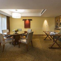 The Fullerton Hotel Singapore в номере