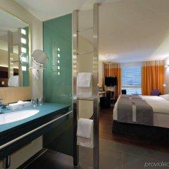 Отель Radisson Hotel Zurich Airport Швейцария, Рюмланг - 2 отзыва об отеле, цены и фото номеров - забронировать отель Radisson Hotel Zurich Airport онлайн удобства в номере фото 2