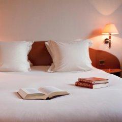 Отель Mercure Tour Eiffel Grenelle 4* Улучшенный номер с различными типами кроватей