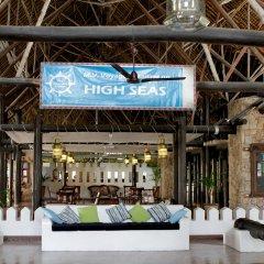 Отель Voyager Beach Resort гостиничный бар