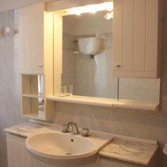 Отель La Contea Синалунга ванная фото 2