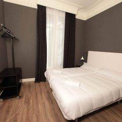 Отель The Moods сейф в номере