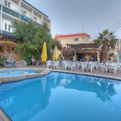 Отель Sea View Буджибба бассейн