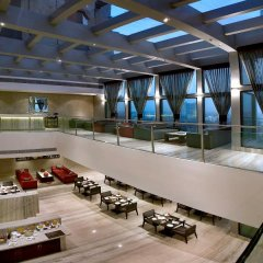 Отель The LaLiT New Delhi фитнесс-зал