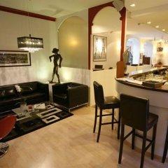 Отель Ambassador-Monaco в номере