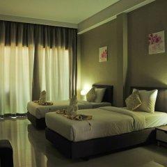 Отель AM Surin Place комната для гостей фото 8