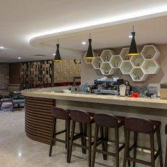 Отель Radisson Blu Residence, Istanbul Batisehir гостиничный бар
