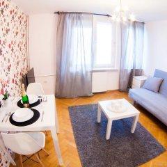 Отель Little Home - Warsaw Royal Польша, Варшава - отзывы, цены и фото номеров - забронировать отель Little Home - Warsaw Royal онлайн комната для гостей фото 3