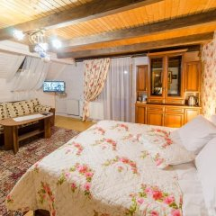 Гостиница Велика Ведмедиця сейф в номере