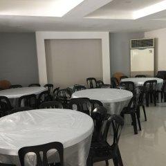 Отель Sampaguita Suites Plaza Garcia Филиппины, Лапу-Лапу - 2 отзыва об отеле, цены и фото номеров - забронировать отель Sampaguita Suites Plaza Garcia онлайн помещение для мероприятий