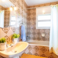 Отель Holiday Home People I Курорт Росес ванная фото 2