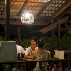 Отель Alama Sea Village Resort Ланта гостиничный бар