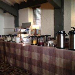 Отель Premier Inn Manchester - Swinton гостиничный бар