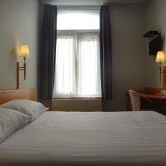 Отель Safestay Brussels сейф в номере