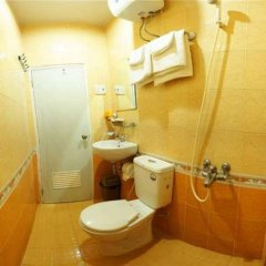 Trung Nguyen Hotel ванная