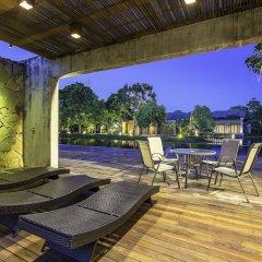 Отель Into The Forest Resort бассейн фото 2