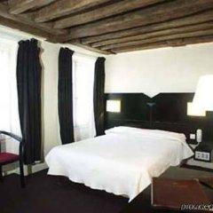 Отель MONTHOLON Париж сейф в номере