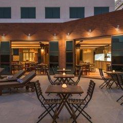 Отель Four Points by Sheraton Bur Dubai ОАЭ, Дубай - 1 отзыв об отеле, цены и фото номеров - забронировать отель Four Points by Sheraton Bur Dubai онлайн бассейн