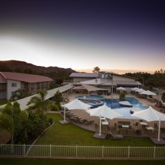 Отель Crowne Plaza Alice Springs Lasseters бассейн фото 3