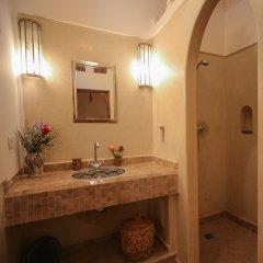 Отель Riad Clefs d'Orient Марокко, Марракеш - отзывы, цены и фото номеров - забронировать отель Riad Clefs d'Orient онлайн ванная
