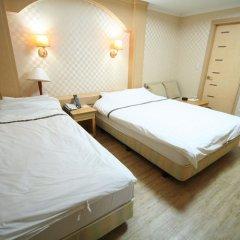 New Boolim Tourist Hotel сейф в номере