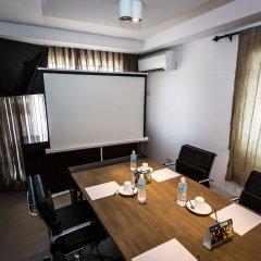 Отель The Swiss Freetown Сьерра-Леоне, Фритаун - отзывы, цены и фото номеров - забронировать отель The Swiss Freetown онлайн в номере