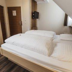 Отель Guter Hirte Австрия, Зальцбург - отзывы, цены и фото номеров - забронировать отель Guter Hirte онлайн сейф в номере