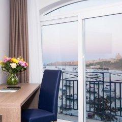 Отель The Waterfront Hotel Мальта, Гзира - отзывы, цены и фото номеров - забронировать отель The Waterfront Hotel онлайн балкон