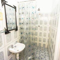 Отель Kanhai's Center of Excellence Гайана, Джорджтаун - отзывы, цены и фото номеров - забронировать отель Kanhai's Center of Excellence онлайн ванная