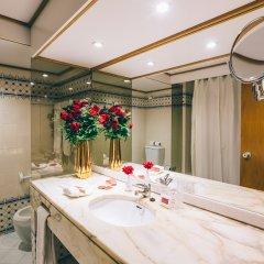 Отель Muthu Oura Praia Hotel Португалия, Албуфейра - 1 отзыв об отеле, цены и фото номеров - забронировать отель Muthu Oura Praia Hotel онлайн ванная