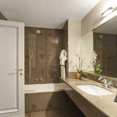 Отель Ambasciatori Palace Hotel Италия, Рим - 4 отзыва об отеле, цены и фото номеров - забронировать отель Ambasciatori Palace Hotel онлайн ванная