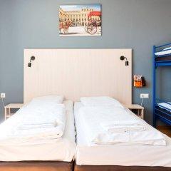 Отель A&O Wien Hauptbahnhof Австрия, Вена - 9 отзывов об отеле, цены и фото номеров - забронировать отель A&O Wien Hauptbahnhof онлайн комната для гостей фото 2