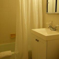 Отель Chelsea West 30th Street - 1BR Apartment США, Нью-Йорк - отзывы, цены и фото номеров - забронировать отель Chelsea West 30th Street - 1BR Apartment онлайн ванная фото 3