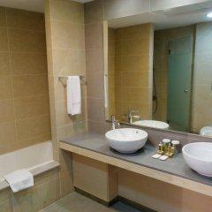 Отель Capital Coast Resort & Spa ванная фото 2
