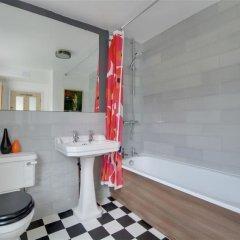 Отель Crown Gardens ванная