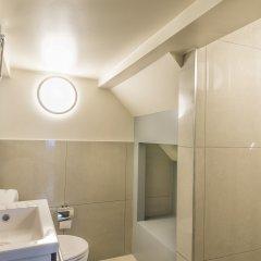 Отель Agora Bruxelles Grand Place Бельгия, Брюссель - отзывы, цены и фото номеров - забронировать отель Agora Bruxelles Grand Place онлайн ванная фото 2