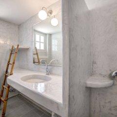 Отель Monolithia Греция, Остров Санторини - отзывы, цены и фото номеров - забронировать отель Monolithia онлайн ванная