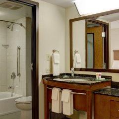 Отель Hyatt Place Columbus/OSU США, Грандвью-Хейтс - отзывы, цены и фото номеров - забронировать отель Hyatt Place Columbus/OSU онлайн ванная