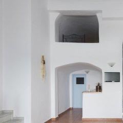Отель Kastro Suites Греция, Остров Санторини - отзывы, цены и фото номеров - забронировать отель Kastro Suites онлайн сейф в номере