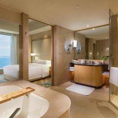 Отель DoubleTree by Hilton Hotel Xiamen - Wuyuan Bay Китай, Сямынь - отзывы, цены и фото номеров - забронировать отель DoubleTree by Hilton Hotel Xiamen - Wuyuan Bay онлайн ванная