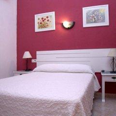 Отель Hostal Los Montes комната для гостей фото 5