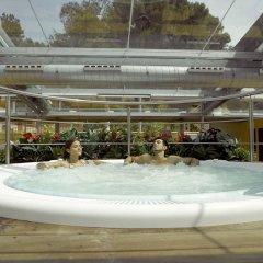 Отель Rosamar & Spa Испания, Льорет-де-Мар - 1 отзыв об отеле, цены и фото номеров - забронировать отель Rosamar & Spa онлайн бассейн фото 3