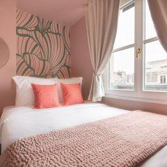 Отель Luxury 2 Bedroom With AC - Louvre & Champs Elysees Париж комната для гостей