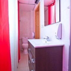 Отель Trip Barcelona Spain Испания, Барселона - отзывы, цены и фото номеров - забронировать отель Trip Barcelona Spain онлайн ванная